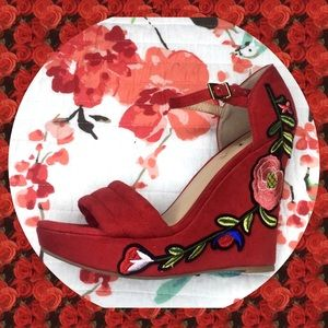 Red floral wedges